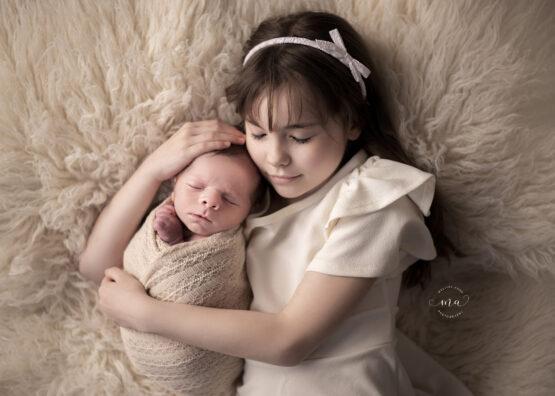 metro detroit michigan newborn photographer melissa anne photography sibling