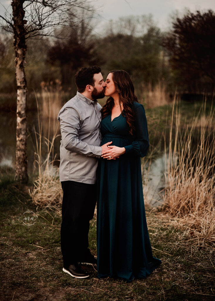 troy michigan maternity newborn photographer melissa anne photography teal gown