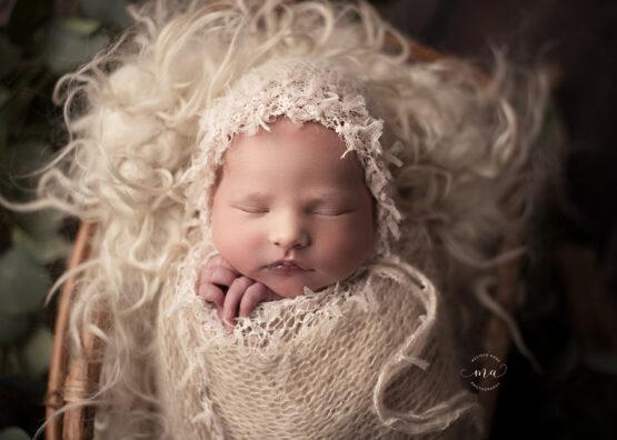 michigan newborn photographer melissa anne photography baby in bonnet boho